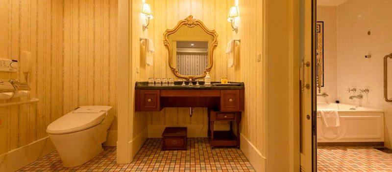 ランドホテルのバリアフリー対応客室の洗面所・トイレ・バスルーム