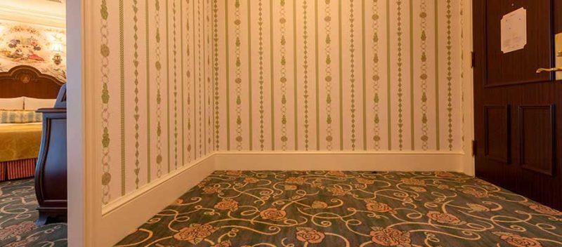 ランドホテルのバリアフリー対応客室の入口