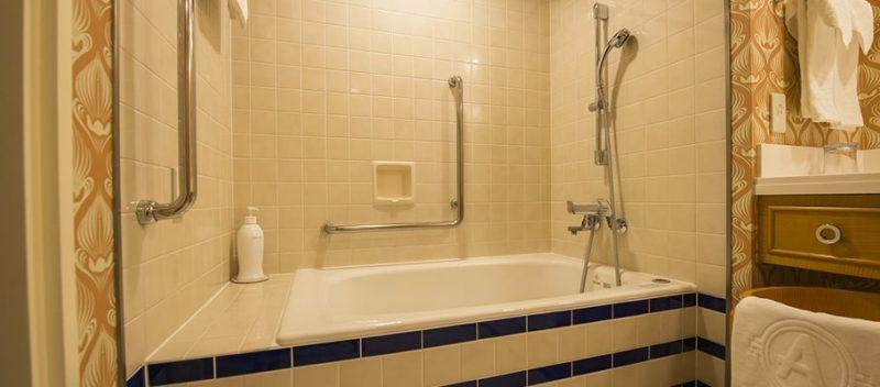スティッチルームの浴槽