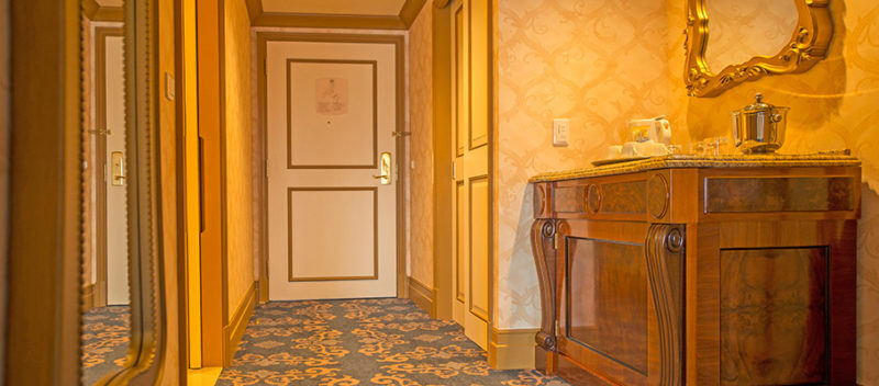 ミラコスタのバリアフリー対応客室の入口