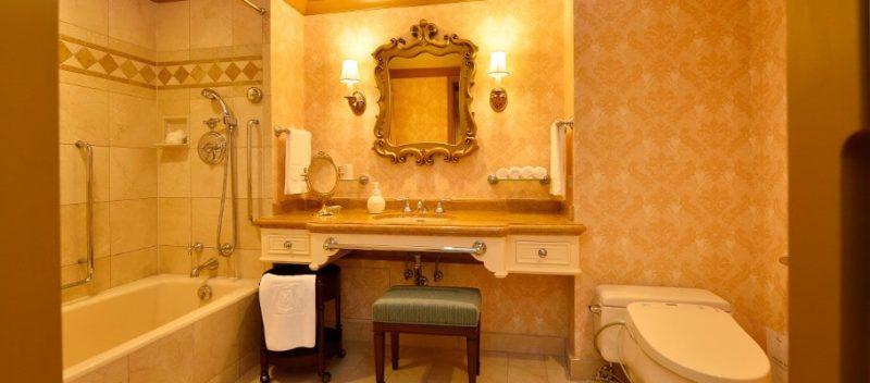 ミラコスタのバリアフリー対応客室の洗面所・トイレ・バスルーム