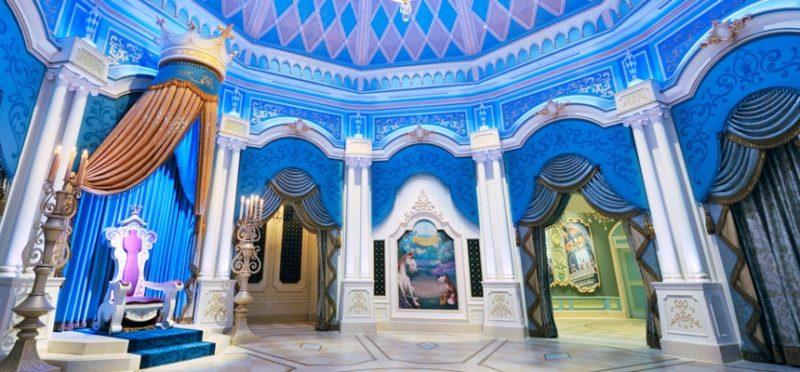 シンデレラのフェアリーテイル・ホールの内部
