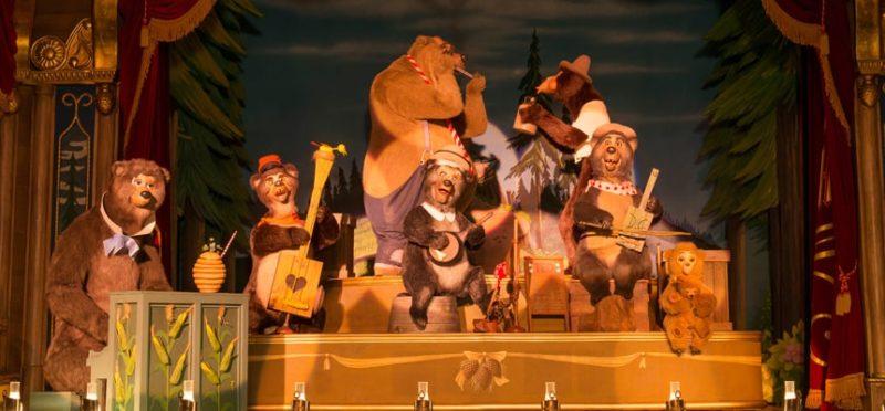 カントリー・ミュージックを演奏する熊たち