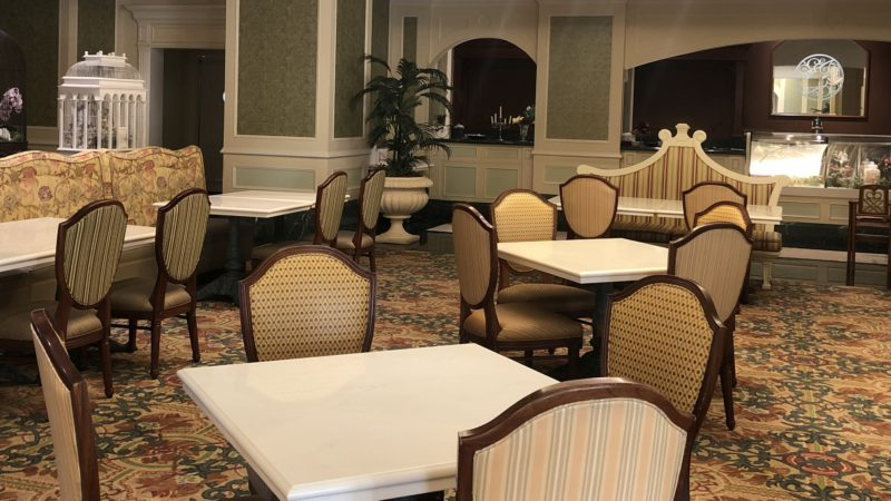 シャーウッドガーデン・レストランの座席